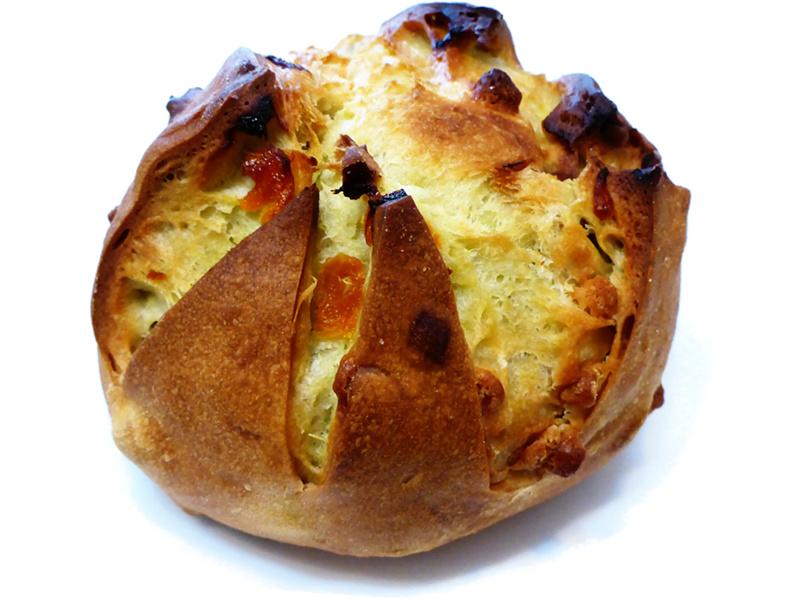 アプリコットとピスタチオのパン (PAIN ABRICOTS PISTACHES) | MAISON KAYSER(メゾンカイザー)