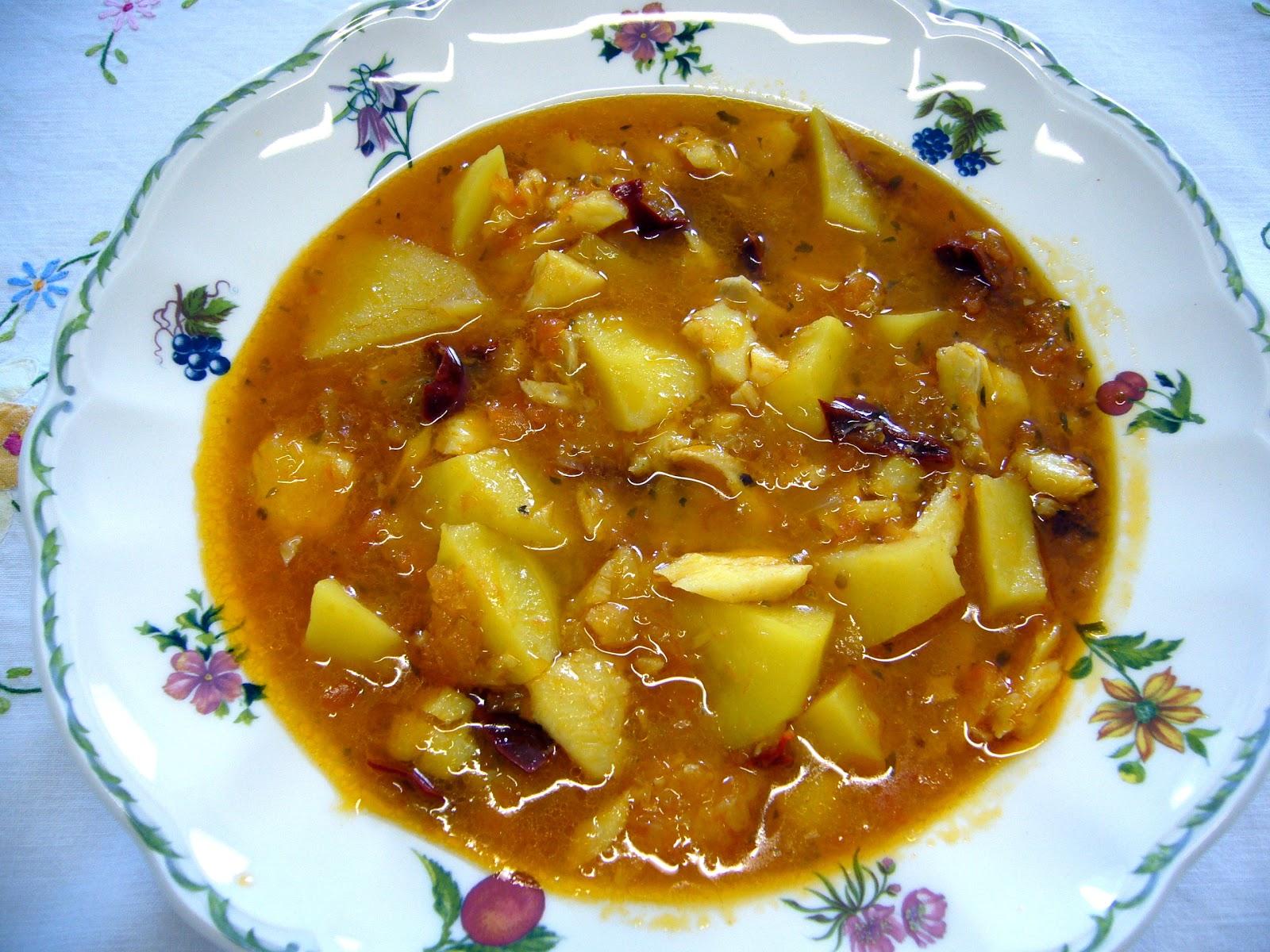 Cocina f cil de la familia patatas con bacalao y mojete for Cocina bacalao con patatas