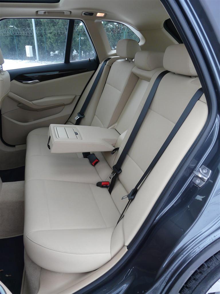 BMW+X1+xDrive20d+2.JPG