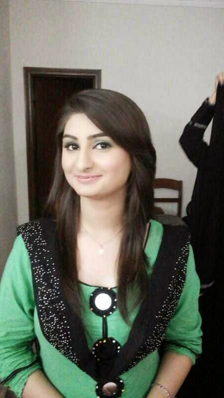 Mehek - Pakistani College Call Girls Escorts In Dubai +971552244915
