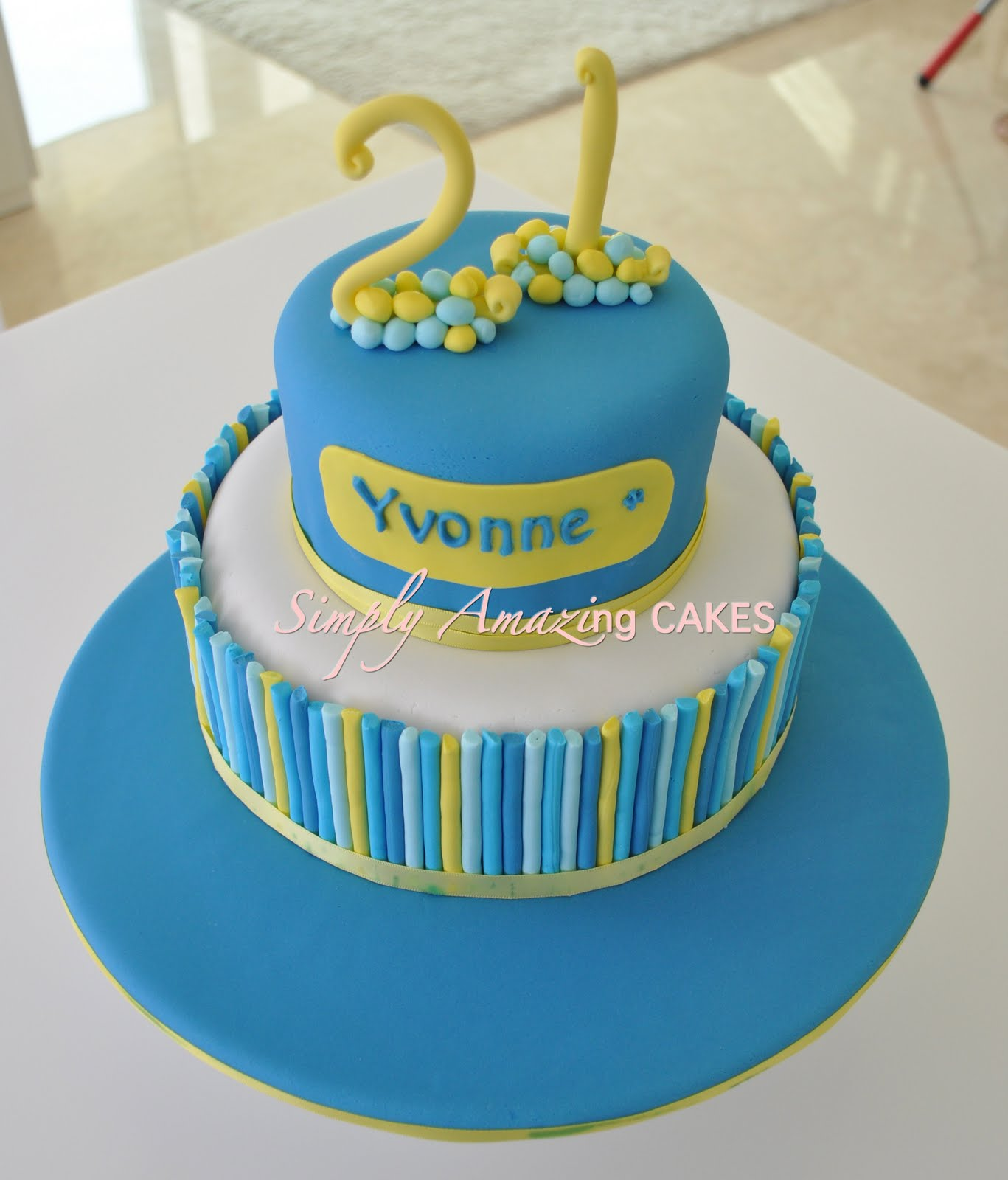 Simply Amazing Cakes: Yvonne's 21st Cake