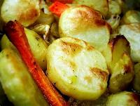 Batatas Assadas no Barro (vegana)