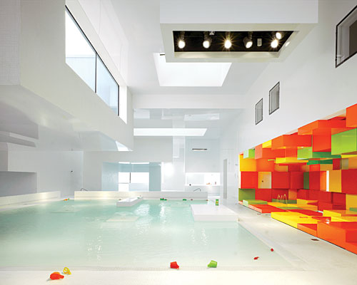 Les bains des docks by ateliers jean nouvel housevariety for Piscine le havre