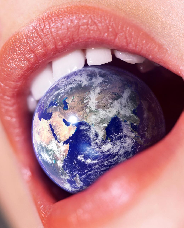 docops size blog: Giantess Eats the Earth