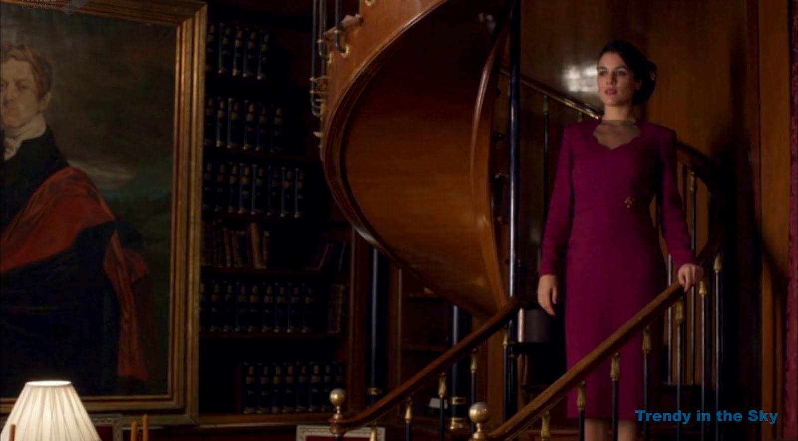 Sira Quiroga vestido granate. El tiempo entre costuras capítulo final