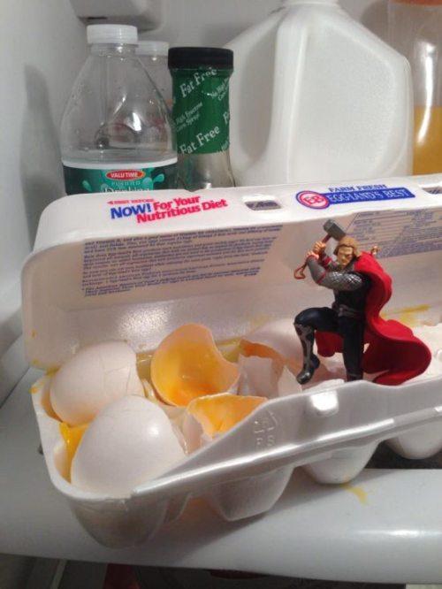 Criatividade, playing with your food, caixa de ovos, thor, Brincando com a comida. Até sua mãe ficaria orgulhosa com essas obras de arte!, eu adoro morar na internet