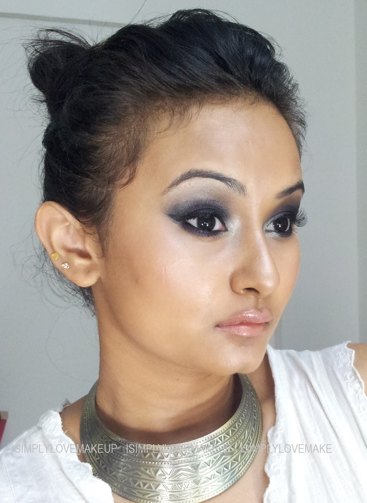 90's Grunge Inspired Black SMokey Eyes