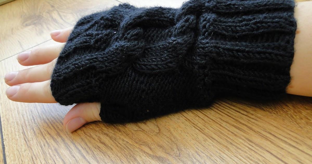 Knitting Pattern For Fingerless Gloves Using Circular Needles : 3 Rabbits Patterns: Fingerless Gloves Knitting Pattern