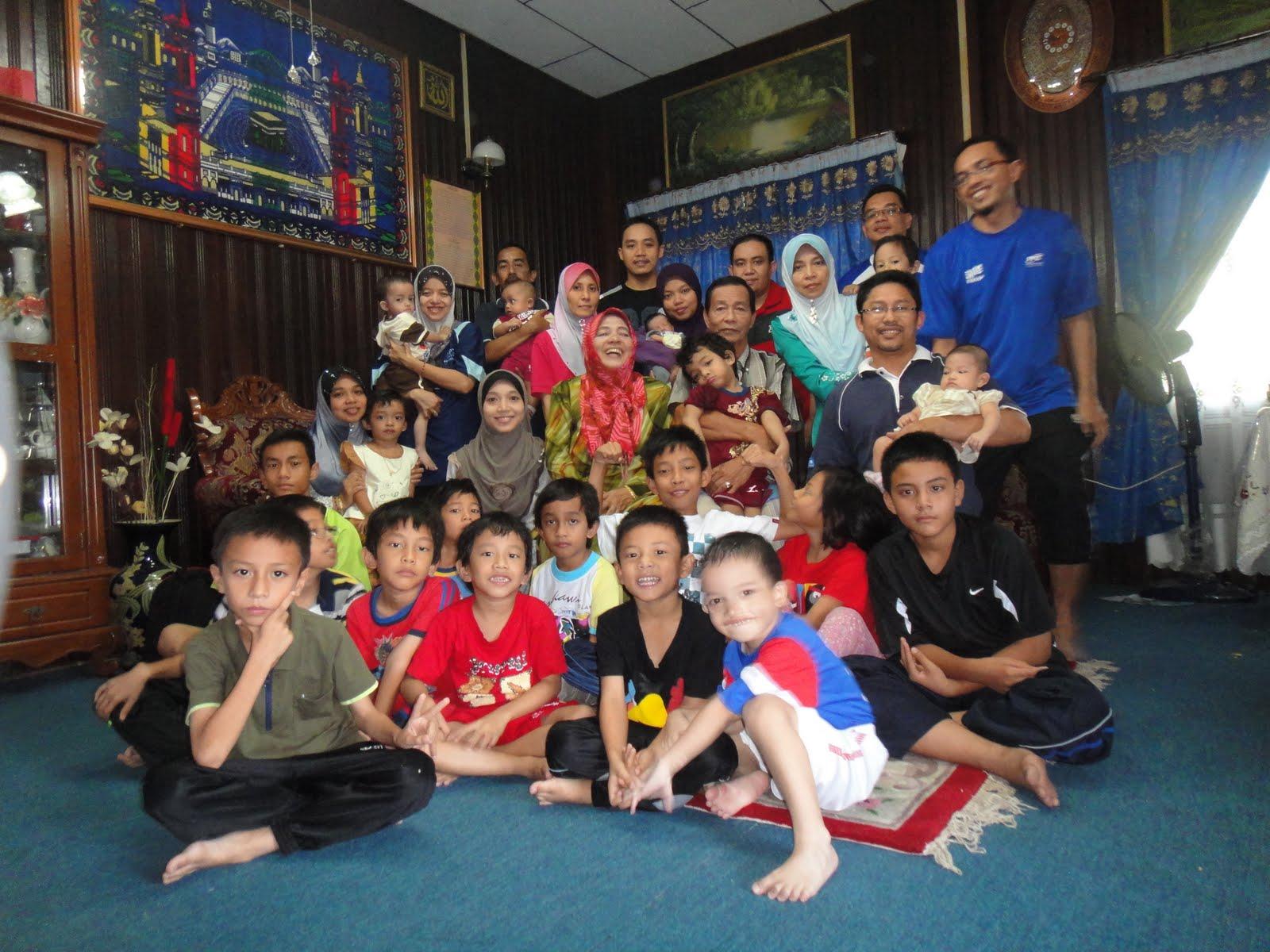 Terengganu Family