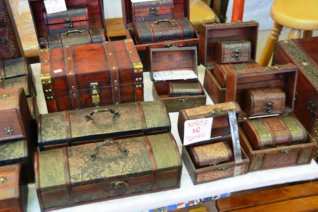 Centre Artisanal de Los Dominicos Santiago boxes