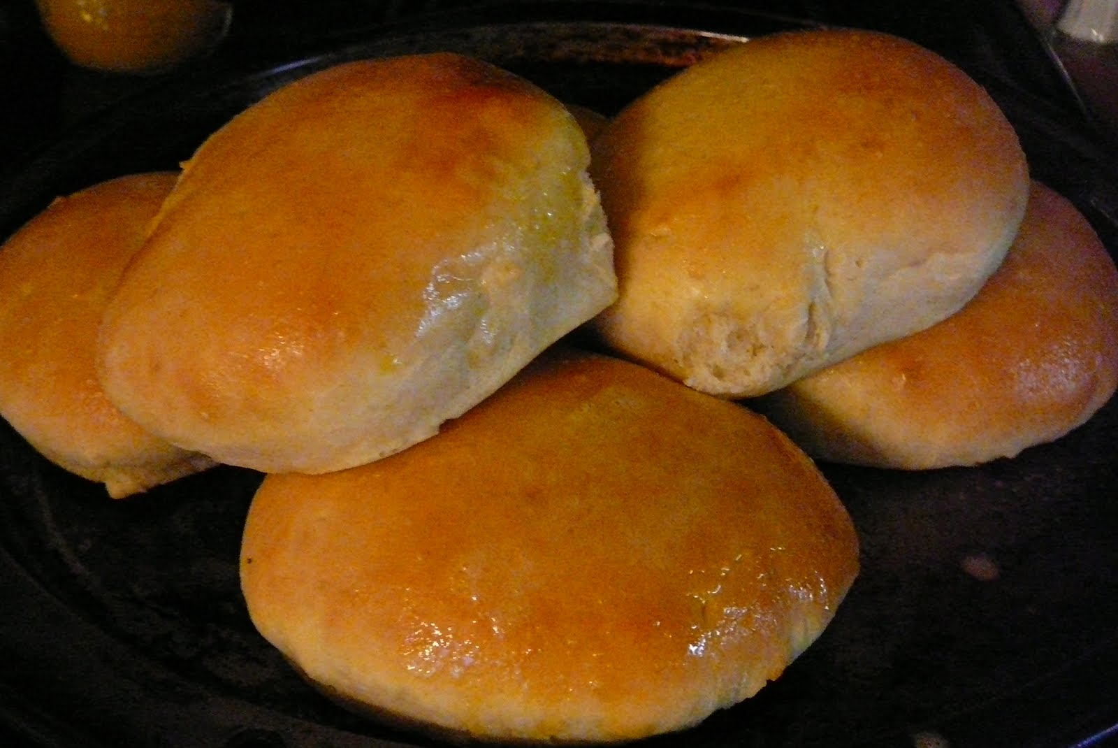 Phos Graphis: 40-minute homemade hamburger buns....
