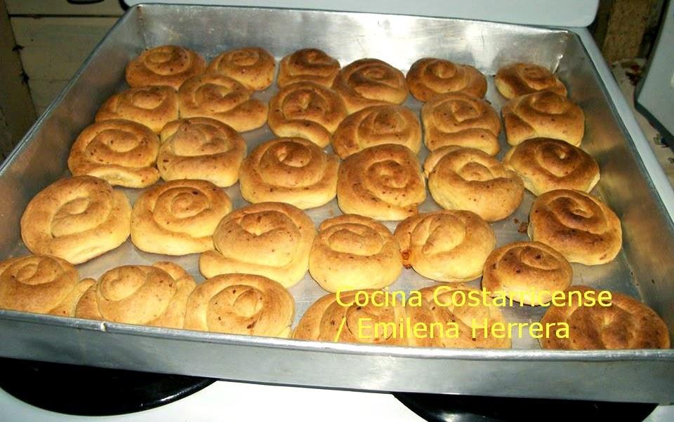 Cocina costarricense pan salado casero