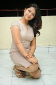 New actress Pooja latest photos-thumbnail-12