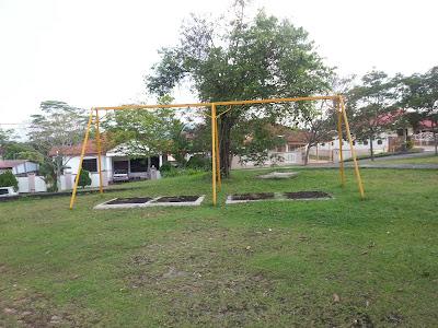 Taman Permainan, Vandalism Dan Keriangan Anak-Anak