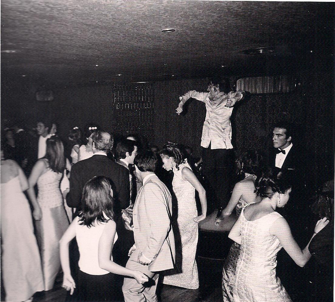 http://2.bp.blogspot.com/-CFHNh9-cSOQ/UNgRtGpkGJI/AAAAAAAA1mo/cB18hEp7d70/s1600/Bocaccio+disco+1967.jpg