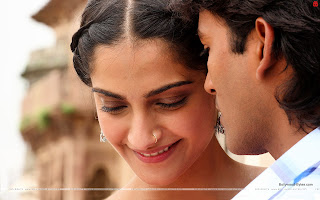 Raanjhnaa HD Wallpaper Hot Soonam Kapoor, Dhanush