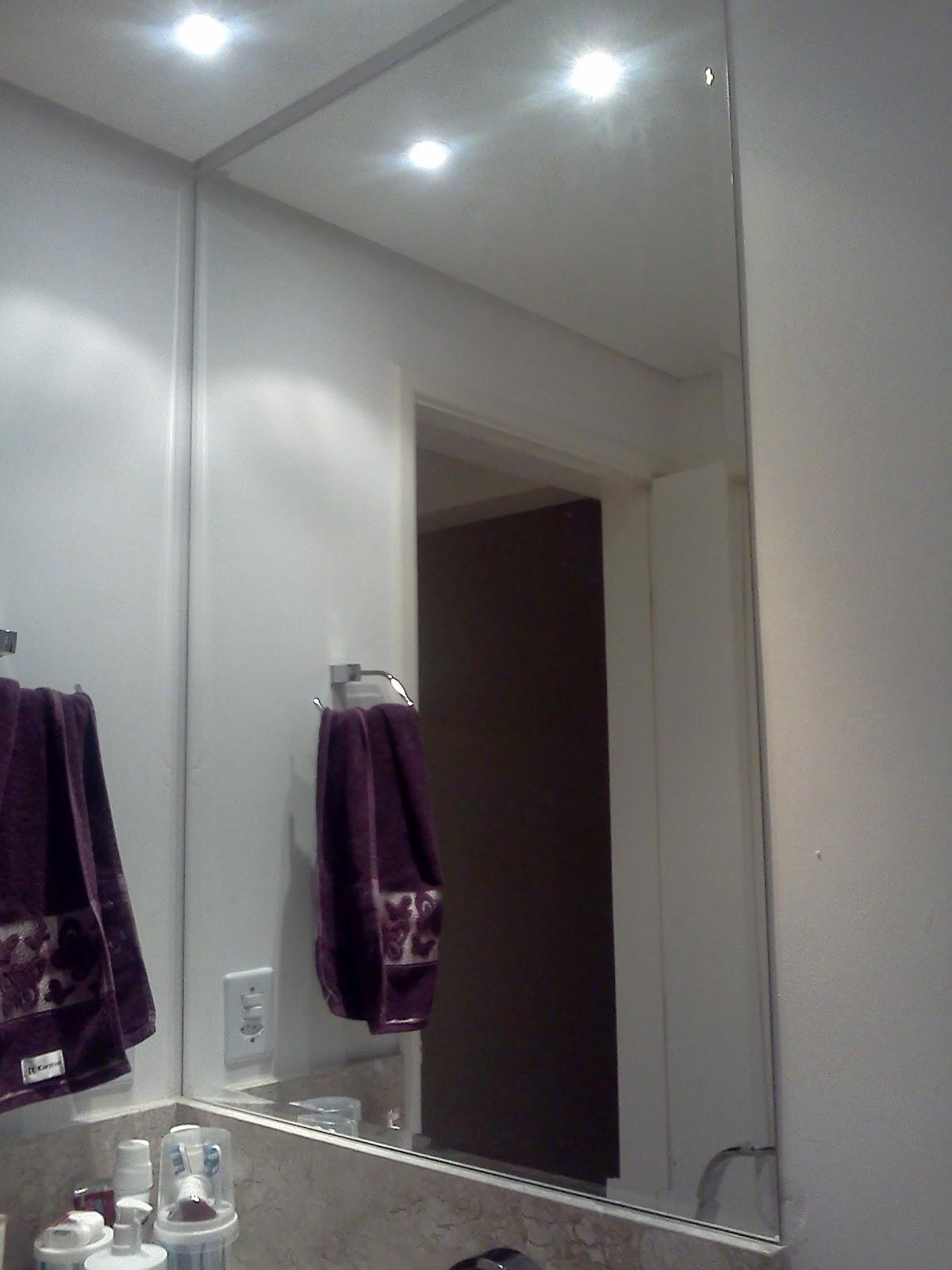 ficou o do banheiro é com bisotê e colado o banheiro parece outro #261A20 1200 1600