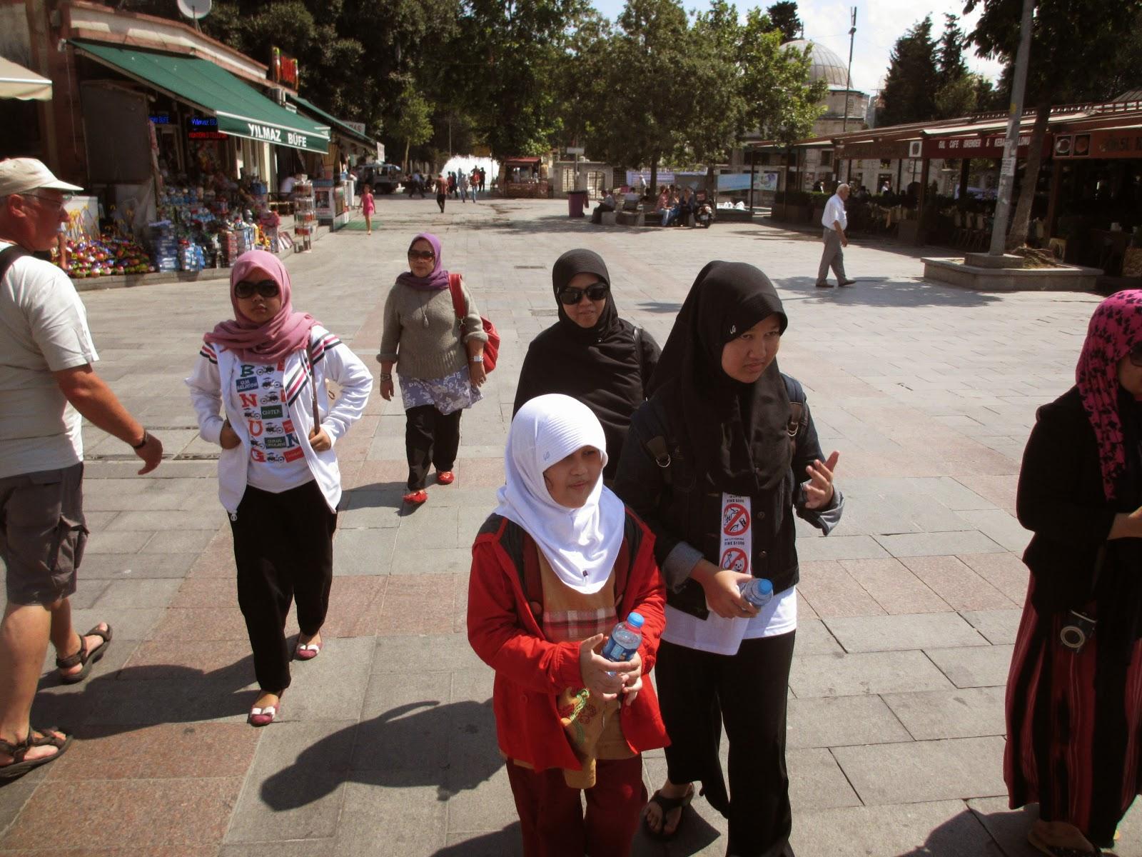 Travel umrah Surabaya terbaik bagus dan terpercaya