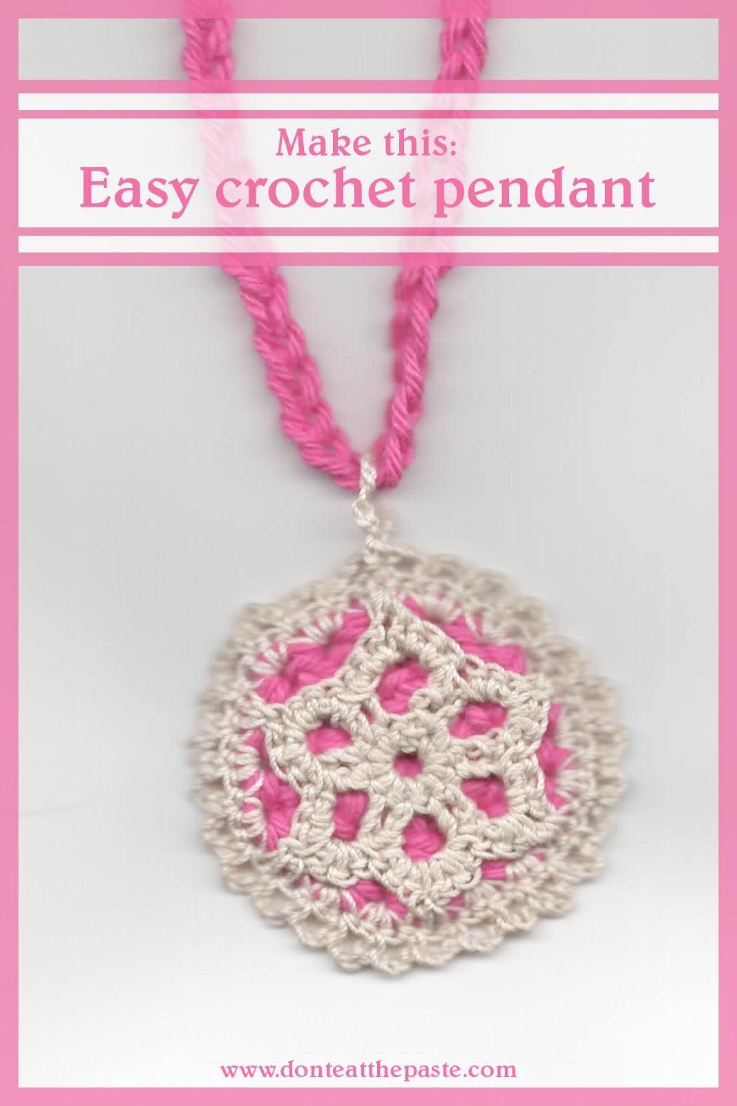Crochet pendant pattern