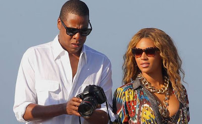 Beyonce-and-Jay-Z-warn-Rihanna-she-can't-visit-Blue-if-she's-seeing-Chris