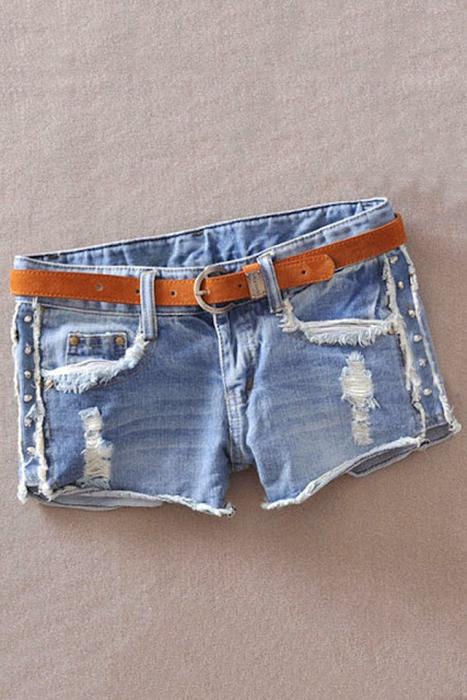 Shorts and  Hot Pants, these shorts and hot pants look so sexy when girls wearing these and when they express herself as a sexy girl.