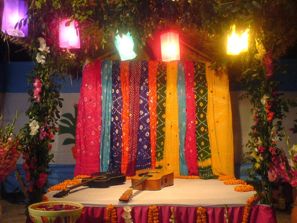 Gaye holud stage design wedding snaps for Decoration ideas