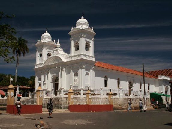 Iglesia de Ilobasco, Cabañas