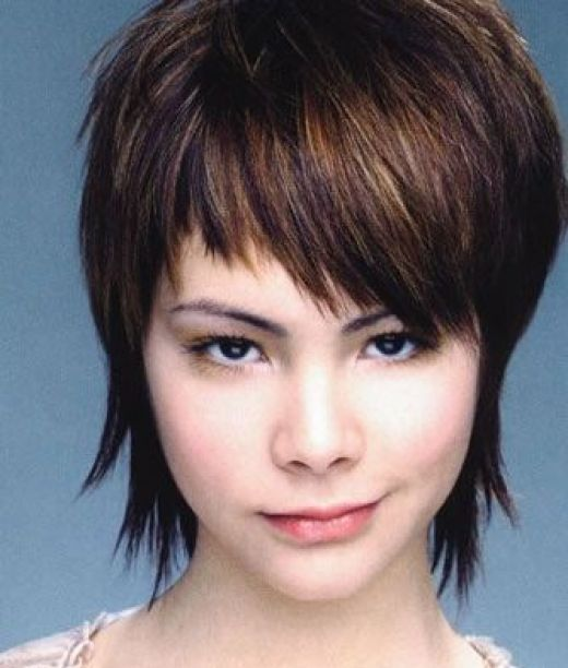 The Enchanting Short Hairstyles For Girls With Round Faces Image