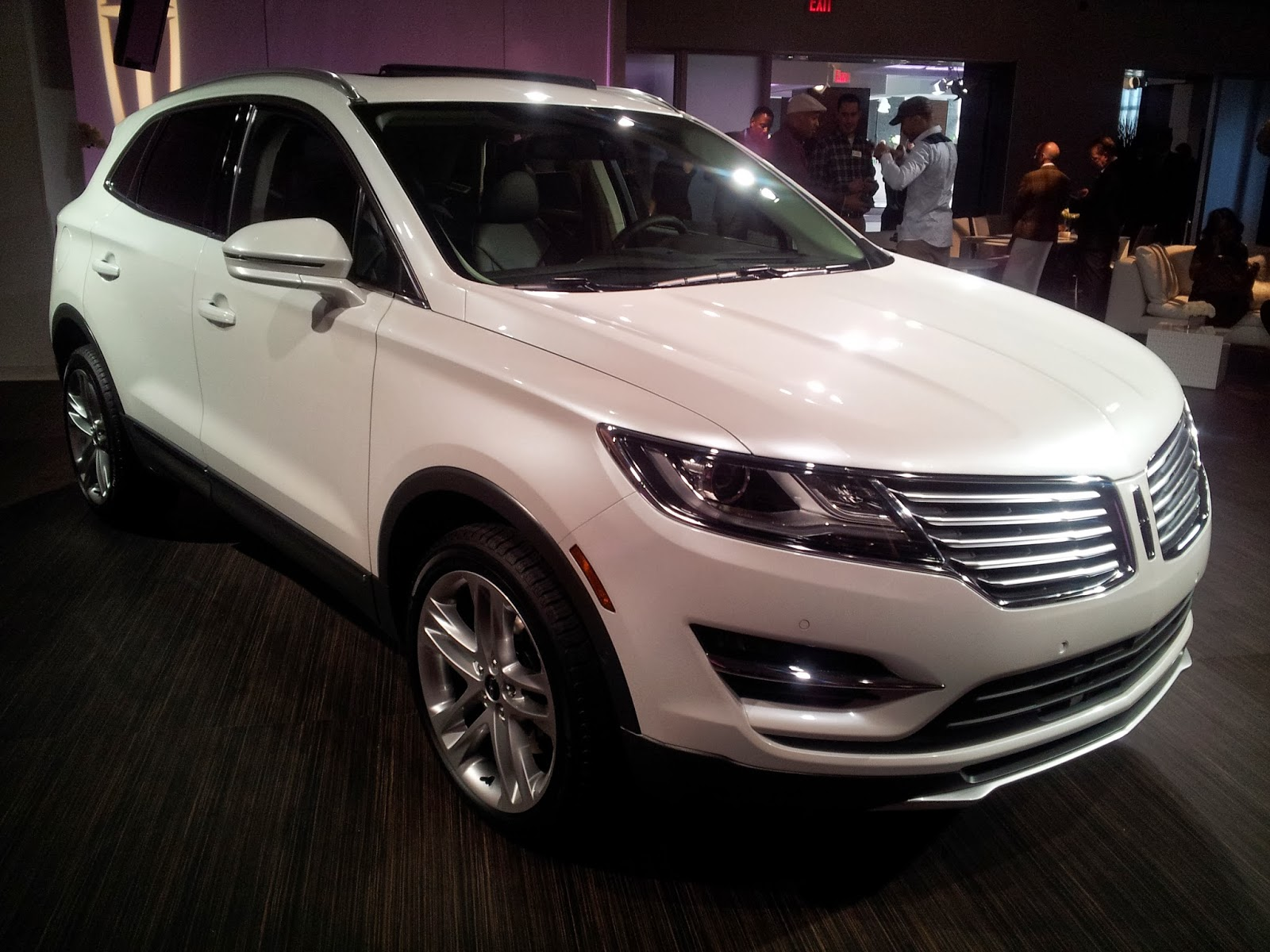 JeffCars.com:Your Auto Industry Connection: 2015 Lincoln MKC AWD ...