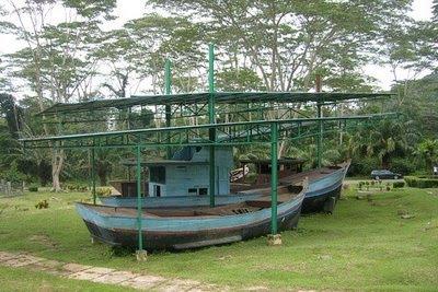Camp bekas pengungsi vietnam batam perahu galang