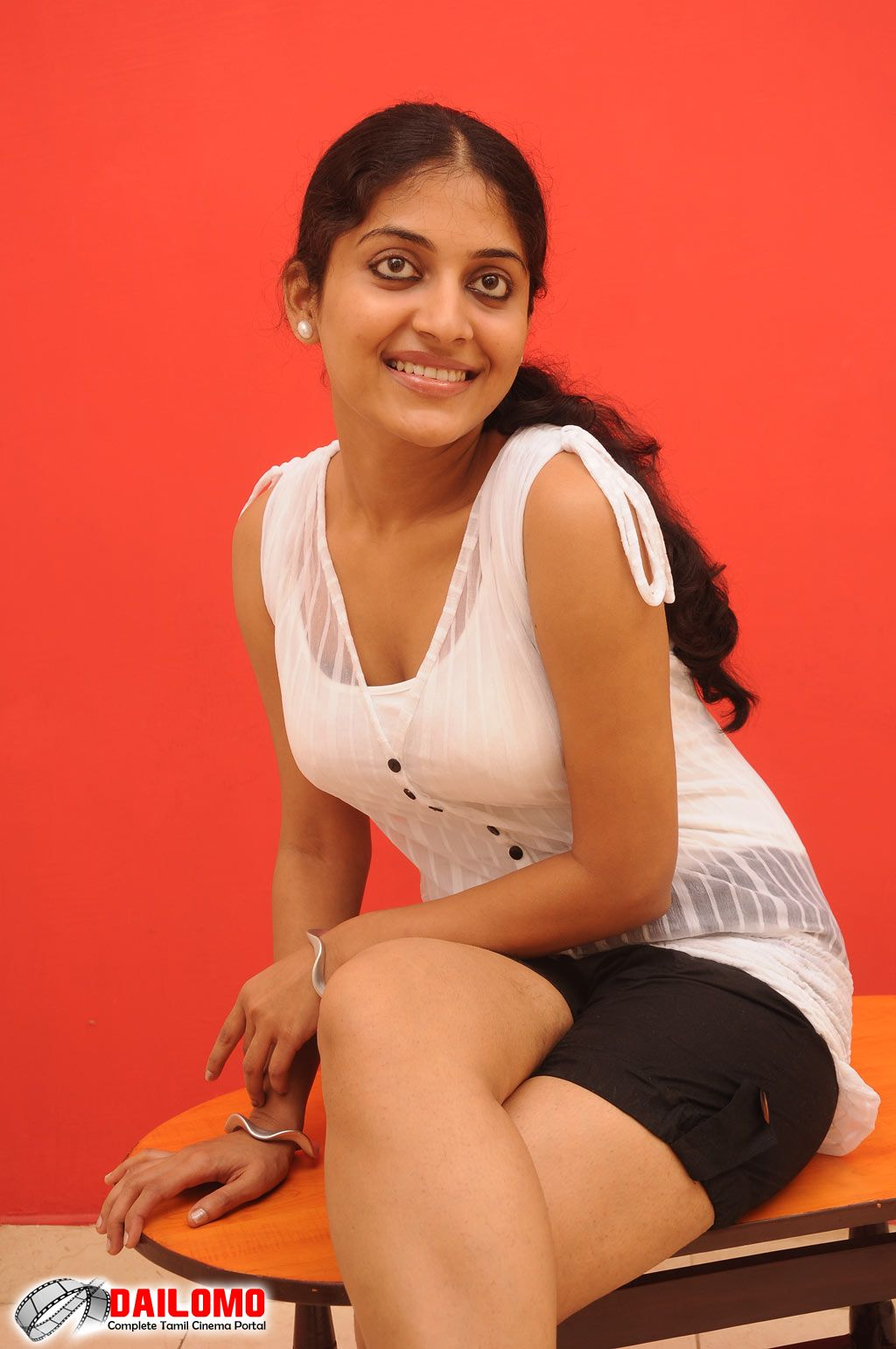 ... navel,cleavage,hip,waist photo collections : kavitha nair cleavage
