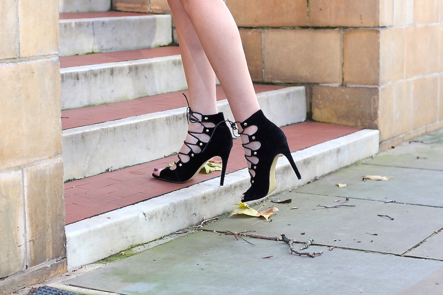 peexo fashion blogger wearing lace up heels from public desire
