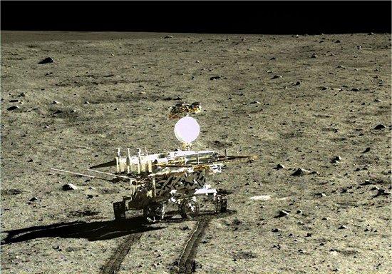 Descoberta surpreendente sobre a Lua é feita por robô chinês