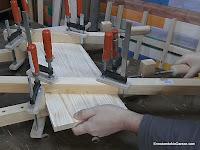 Repetir con el otro sargento casero de madera. www.enredandonogaraxe.com
