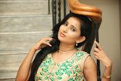 Ishika singh latest glam pics-thumbnail-9