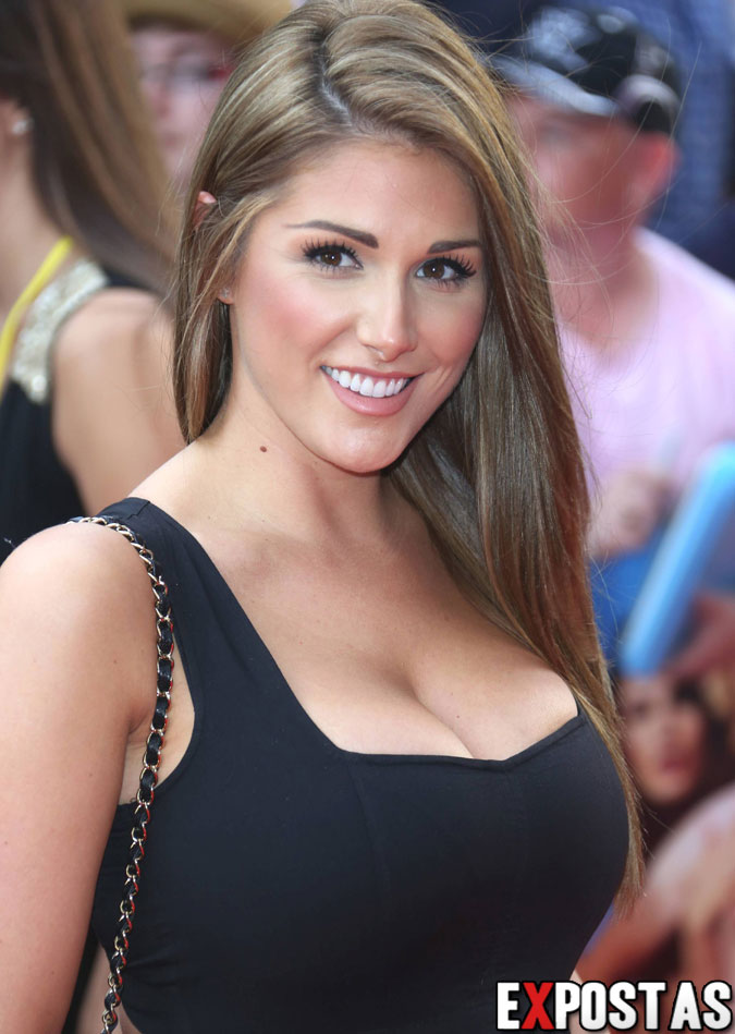 Lucy Pinder: 'Keith Lemon: The Film' Première em Londres - 20 de Agosto de 2012