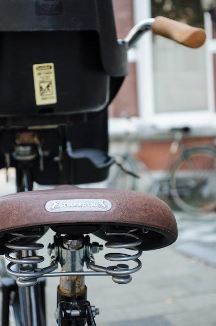 leather bike saddle