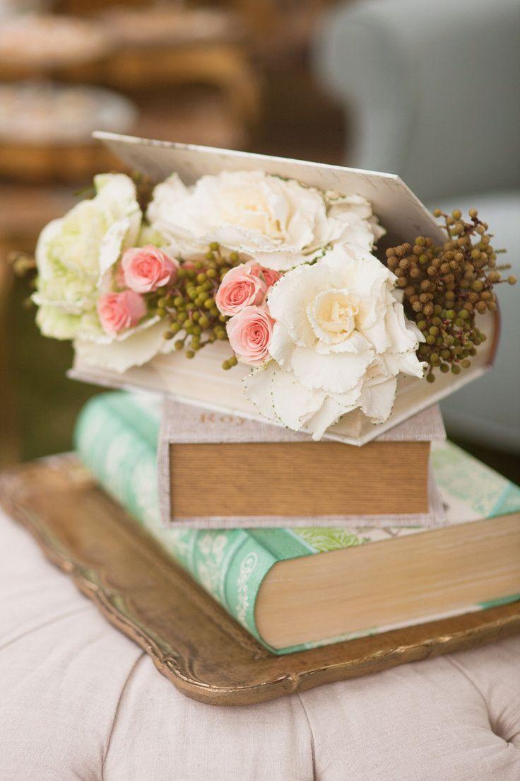 10 fotos de centros de mesa sencillos para boda - Libros antiguos para decoracion ...