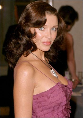 Dannii Minogue Supe 341340a dragonball bondage Dragonball bondage tickling sandals Dragonball z ...