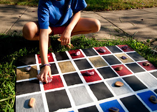 Outdoor Checkers Set by DIY Del Ray