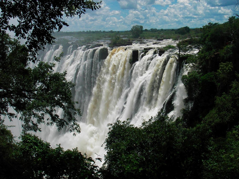 Travelencyclopedia enchanting eight highest waterfalls of for Piscina del diablo