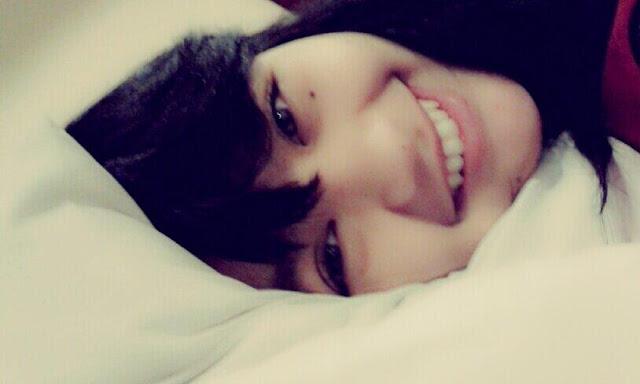 Foto Cewek Cantik Gadis Indonesia tidur diranjang