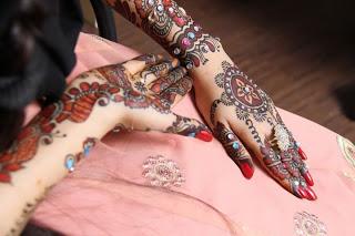 Gorgeous Bridal Mehndi Designs : Bridal mehndi designs 2011 12 for brides jinnni