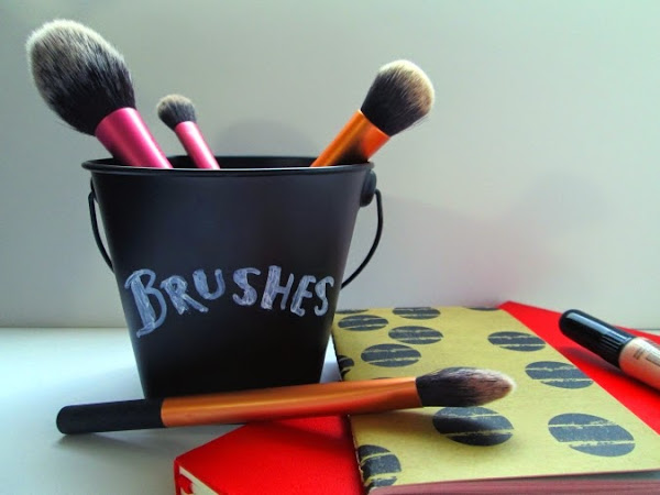 New Brush Storage: The Chalkboard Pail