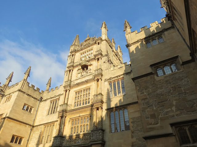 Bodleian library courtyard