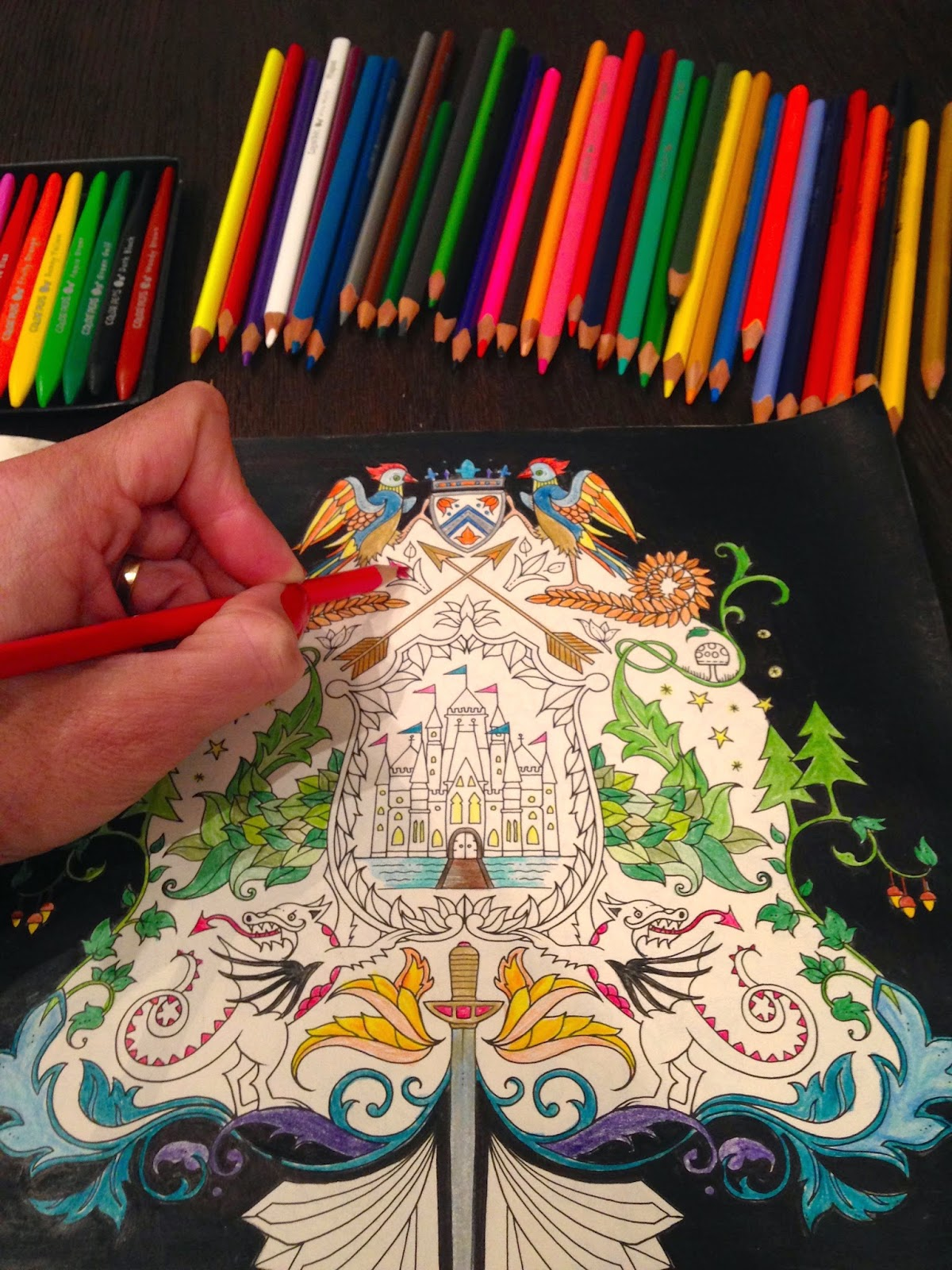 desenho sendo colorido