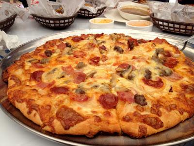 Da Vinci's Famous White Sauce Pizzas, Pizzeria in Cebu, Da vinci's, Pizza Piccolo, Potato Gusto, Chicken Gusto, Pan Gusto, White Sauce Pizza