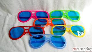 bán mắt kính chú hề giá rẻ