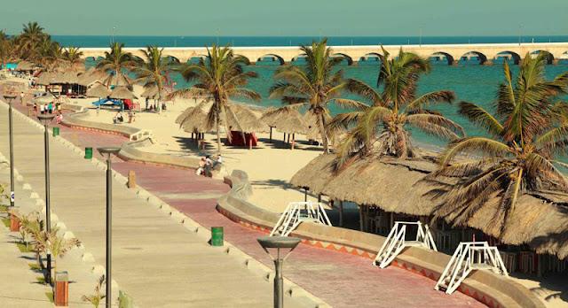 Playa puerto progreso, Yucatán