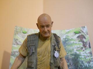 figura en miniatura del personaje Locke de la serie de TV Lost